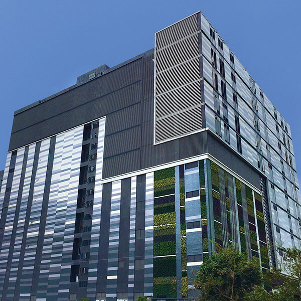 SUNeVision iAdvantage MEGA Plus HK Data Center